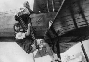 1913 PRIMA DONA COL PARACADUTE