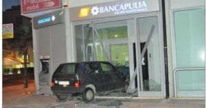 21_bancomat_2013_07_23_Banca-Apulia-Brindisi-1