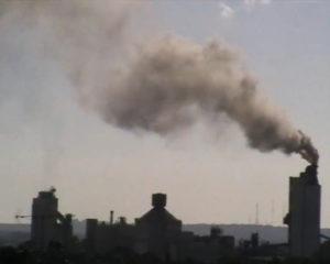 Ciminiera Colacem Galatina con emissioni compatte e dense